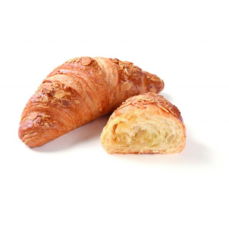 Croissant met boter gevuld met amandelspijs (13,5%)